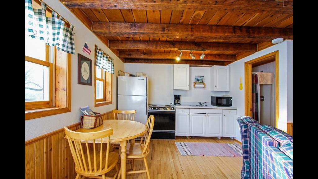 mill-pond-kitchen-dining