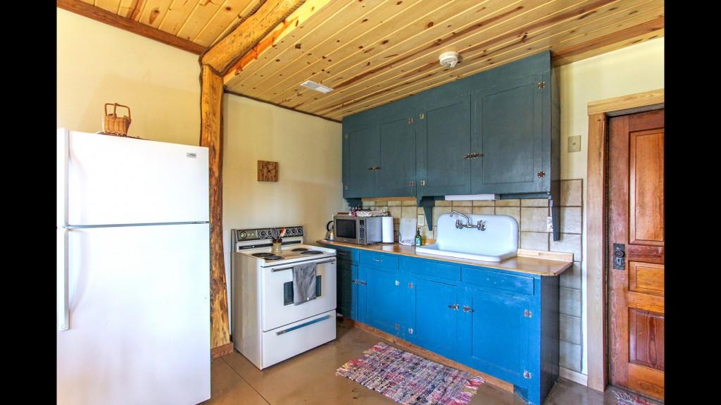 main-cabin-kitchen