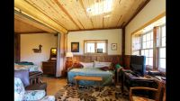main-cabin-living-room
